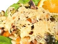 Задушени зеленчуци (броколи, моркови, картофи, тиквички, гъби) с кашкавал на фурна